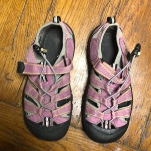 Girls keen sandals water shoes size 3